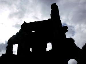 ruined-castle-silhouette